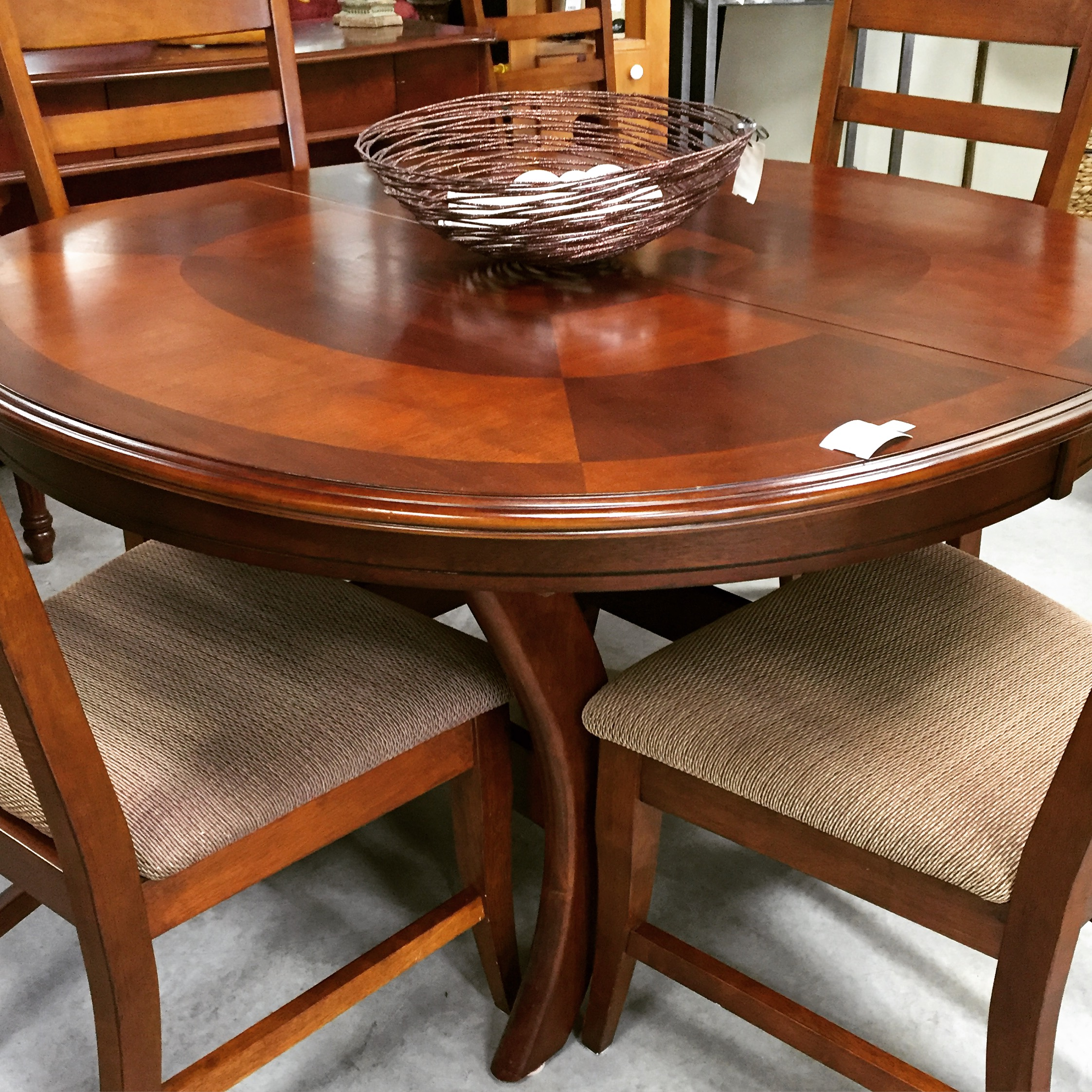 48 Round Wood Inlay Dining Set C W 6 Upholstered Wood Chairs And 1 X 18