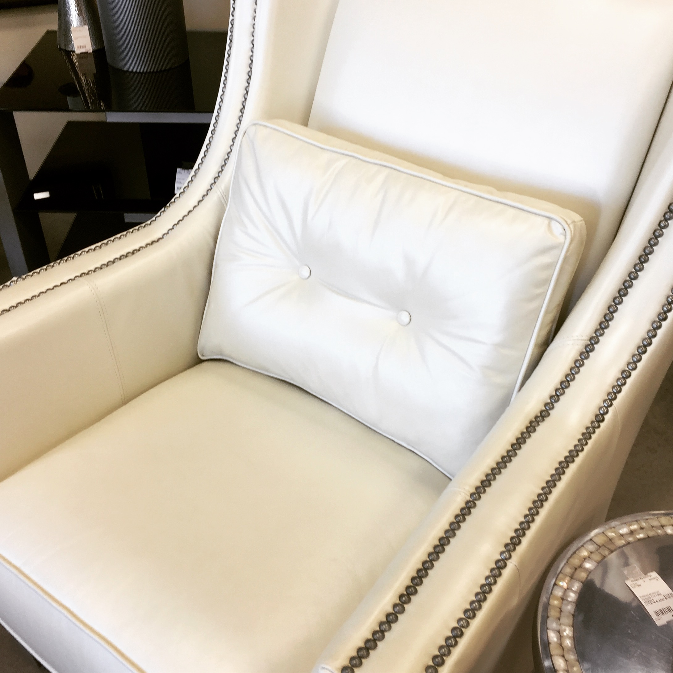 Deor Rest Leather Studded Chair 750
